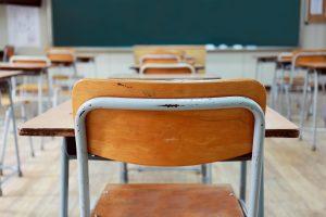 """La politica che entra nella scuola e la corrompe. Una """"gola profonda"""" racconta…"""